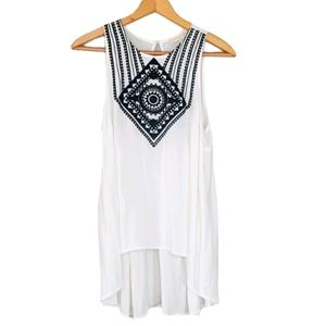 Love Stitch M White High Low Embroidered Tank Top